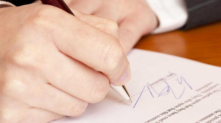 Apakah Merubah Tanda Tangan Merubah Kontrak Terdahulu?⠀